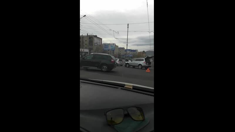 ДТП на перекрёстке улиц Баргузинская Чкалова