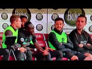 Sadio mane angry on the bench because salah didn't play him through