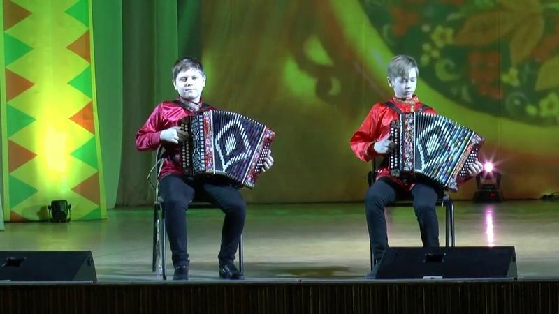 Кадрильная полька Исполняют Андрей Николаев и Евгений Кожевников