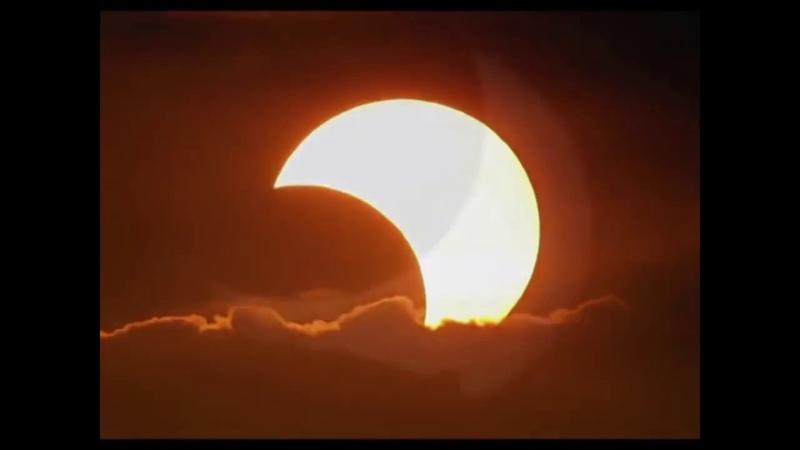 Echte Flache Erde Mondfinsternis 100% Globuslüge Null Gravitation Mond und Sonne