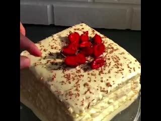 Обязательно приготовьте очень вкусный нежный торт