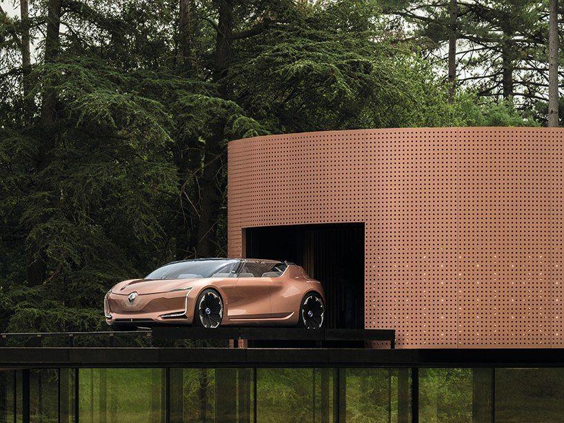Renault's sleek SYMBIOZ concept car synthesizes architecture   autonomous driving