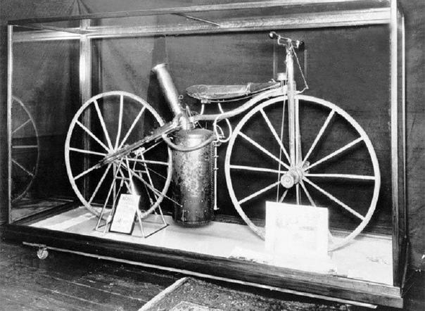 Паровой велосипед Роупера образца 1867 года - первый в мире мотоцикл.