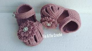 Sandlia de Croch Lilian - tamanho 10cm