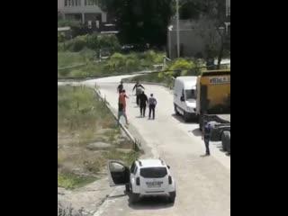В Новороссийске водитель фуры напал с дубиной на водителя легковушки
