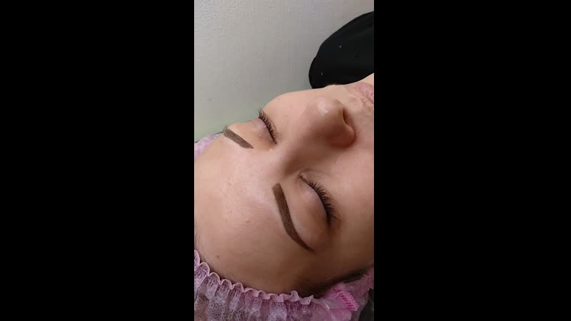 Зажившие естественные пудровые бровки после одной процедуры и сразу после коррекции добавили цвета 😍👌 🔺Атравматичная и безболезн