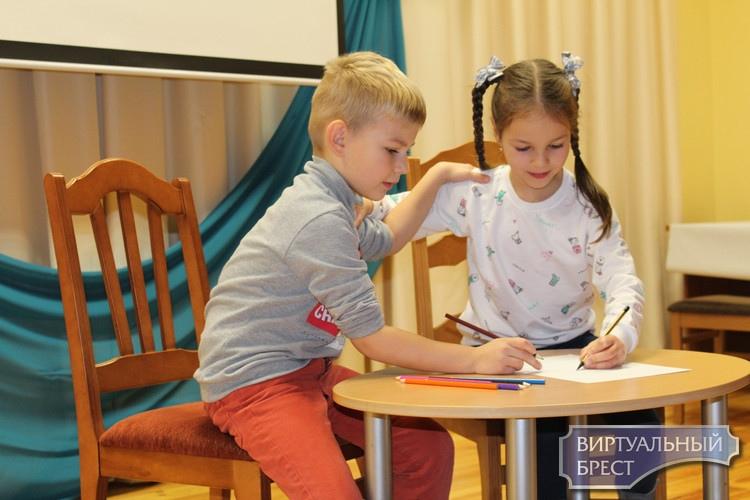 Продолжаются интересные и увлекательные каникулы у детей Бреста