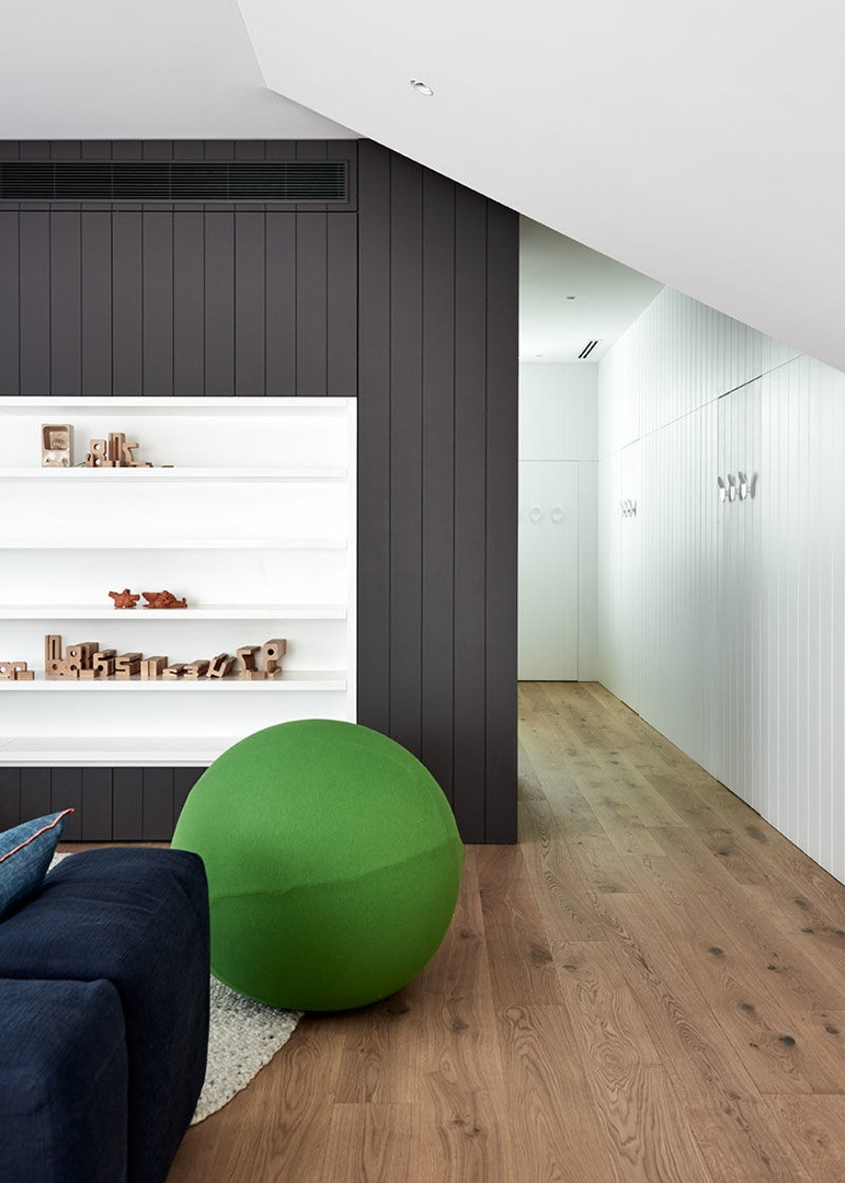 Современный дизайн для комфортной семейной жизни: светлый дом в Мельбурне || 02