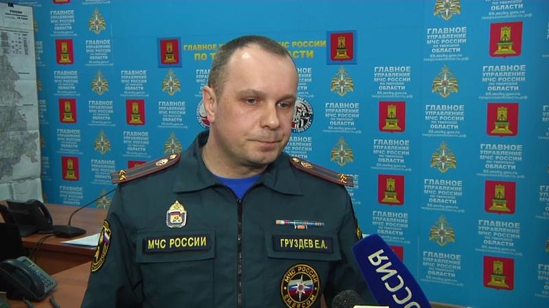Большой пожар в Вышневолоцком районе чуть не уничтожил дома в деревне Борьково