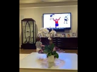 Сын Овечкина увидел папу по телевизору