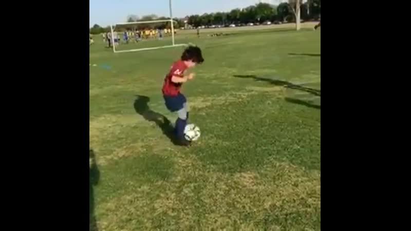 . Футбол тренировочные процессы, ТРЕНЕР
