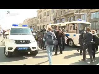 Задержания митингующих в Питере