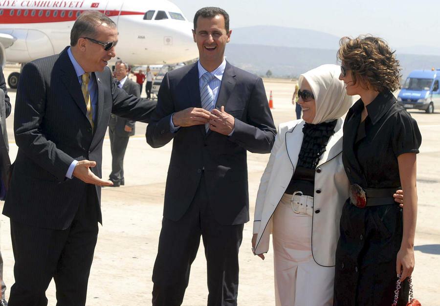 Эрдоган и Асад в компании своих жён дружили