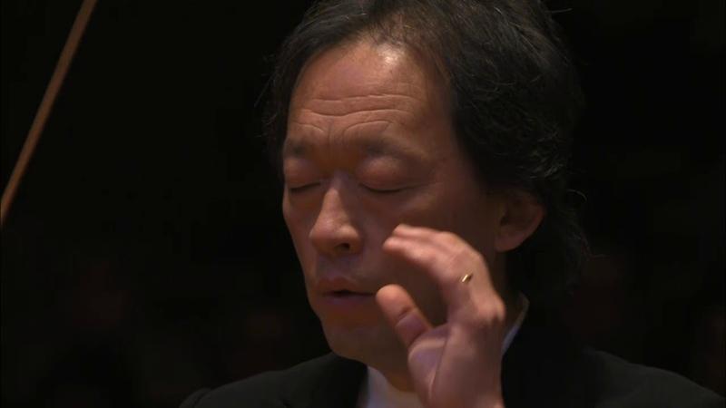 Debussy : La Mer, trois esquisses symphoniques pour orchestre sous la direction de Myung-Whun C...