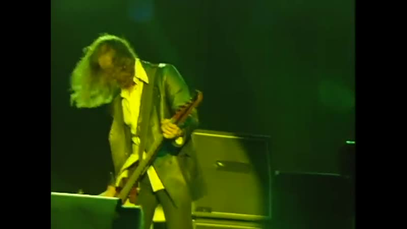 Nirvana_-_Smells_Like_Teen_Spirit__Live_at_Reading_1992_