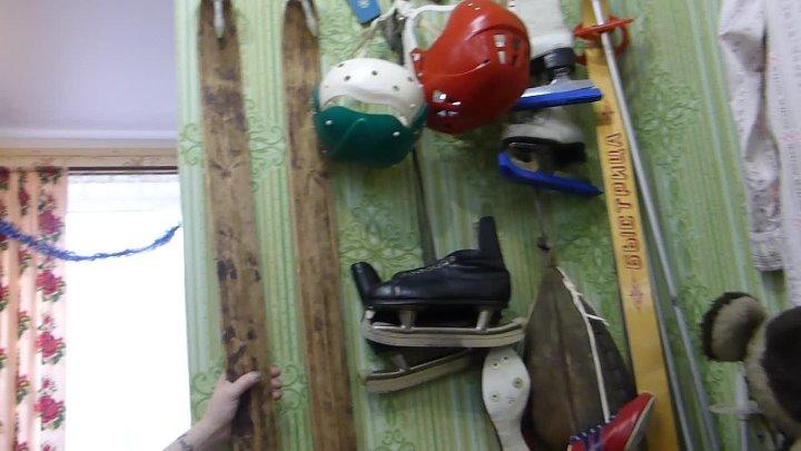 Bukreev Швейная машинка Сервант Абажур Кукла в шубке Люлька Кровать Горшок Ковёр Комната 50х г Грузовики Стенка Барби Видеома