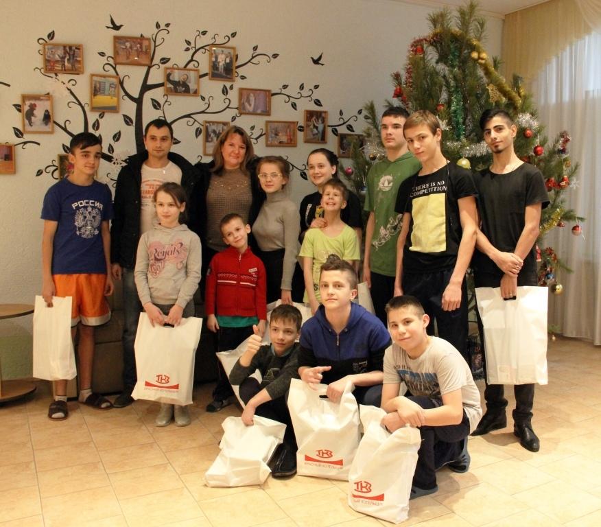 «Красный котельщик» поздравил юных таганрожцев с Новым годом и Рождеством