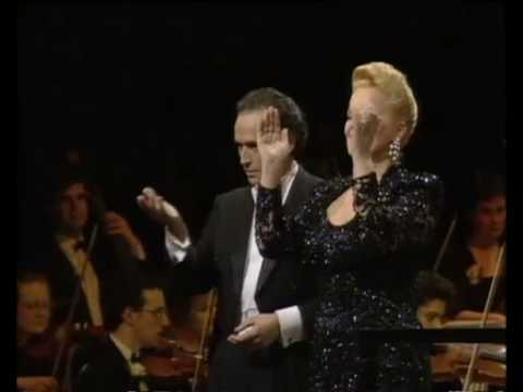 JOSE' CARRERAS Brindisi from La Traviata EXCLUSIVE PERFORMANCE