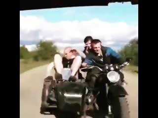 Как НЕЛЬЗЯ Буксировать Мотоцикл !!! Лайфхак !! (видео-мото-приколы) its my life! ✩ рок22ТВ