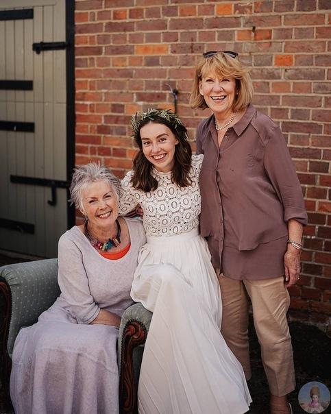 24-летняя Грейс и 22-летняя Амелия Мандевиль родные сестры, которые родились с инвалидностью