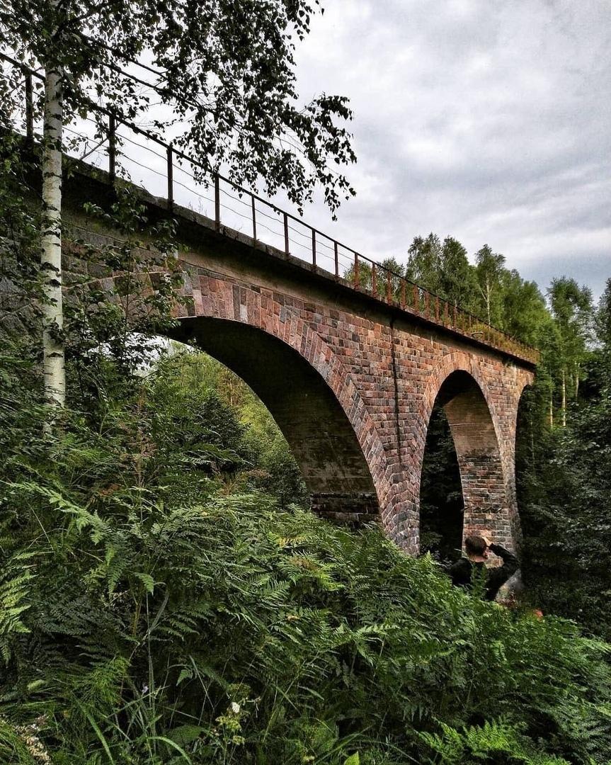 Заброшенный каменный мост