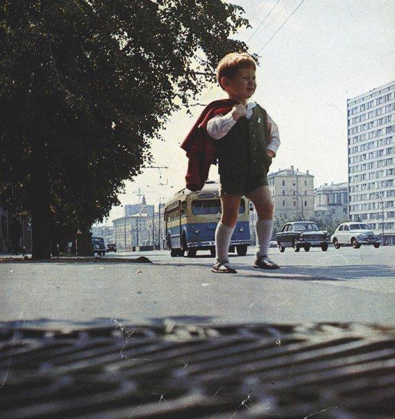 Утром в садик, СССР, 1960-е.