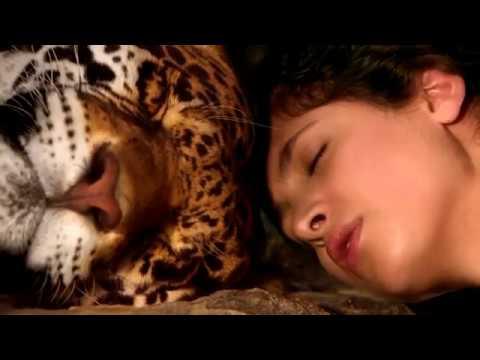 Amatue Chris Wonderful ft V Lukyanova Tiwanaku Puerto del Sol