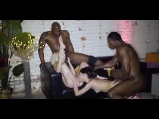 Негры пустили по кругу бедных белых студенток шлюх Natalia Queen, Harmony Wonder секс порно минет анал инцест оргия sexwife bbc