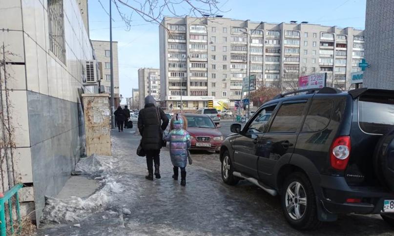 Гололед стал причиной роста уличных травм в Семее
