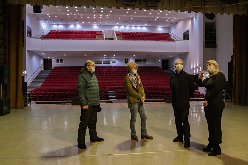 Президент Национальной галереи Коми Пьер Броше посетил Ухту, изображение №2