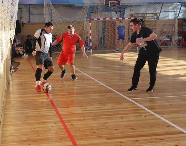 В преддверие Дня Защитника Отечества полицейские Нефтеюганска организовали футбольный турнир.