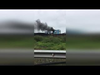 #ВоркутаНеМёд   В Воркуте горит здание углеобогатительной фабрики
