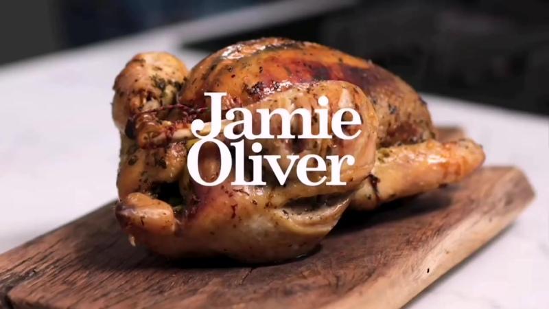 Как приготовить зажаристую курицу в духовке | Джейми Оливер