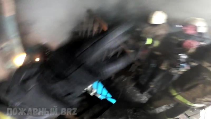 Пожарный BRZ Пожар в квартире жилого дома Спасение людей