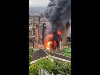 Шесть человек пострадали при взрыве на нефтеперерабатывающем заводе в ЮАР