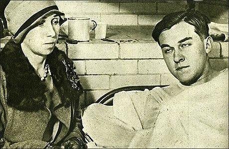 Вайнвилльские убийства ( Подмена ) 10 марта 1928 года в ЛосАнджелесе пропал девятилетний Уолтер Коллинз. Исчезновение вызвало смену руководства полиции и изменение законодательства, но для этого