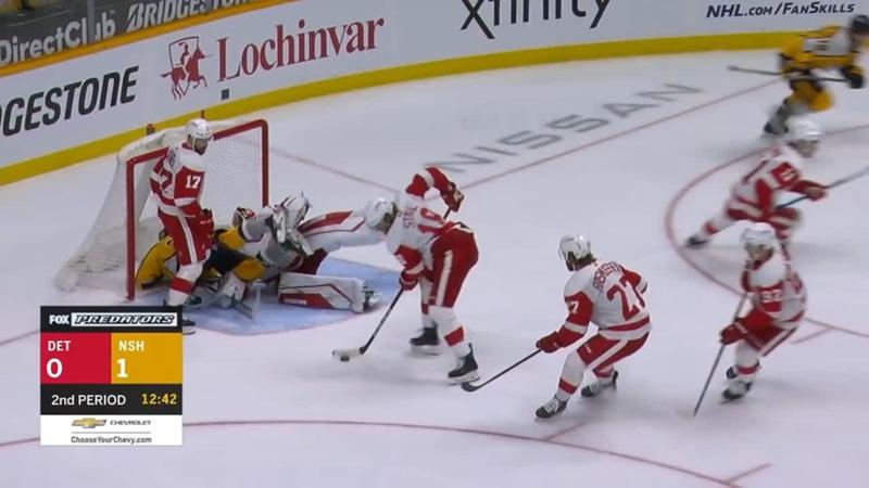 НХЛ изучает действия арбитров в матче Нэшвилл Детройт Судья сказал что хотел пораньше дать Предаторс удаление