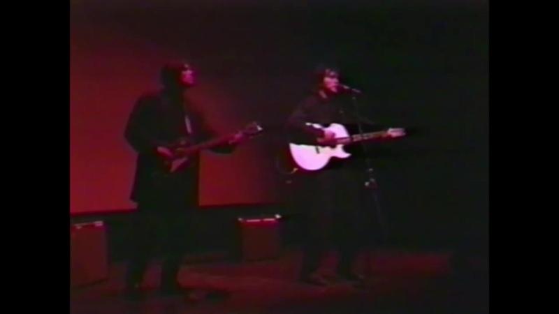 Виктор Цой и Юрий Каспарян Кино Концерт в Америке 1990