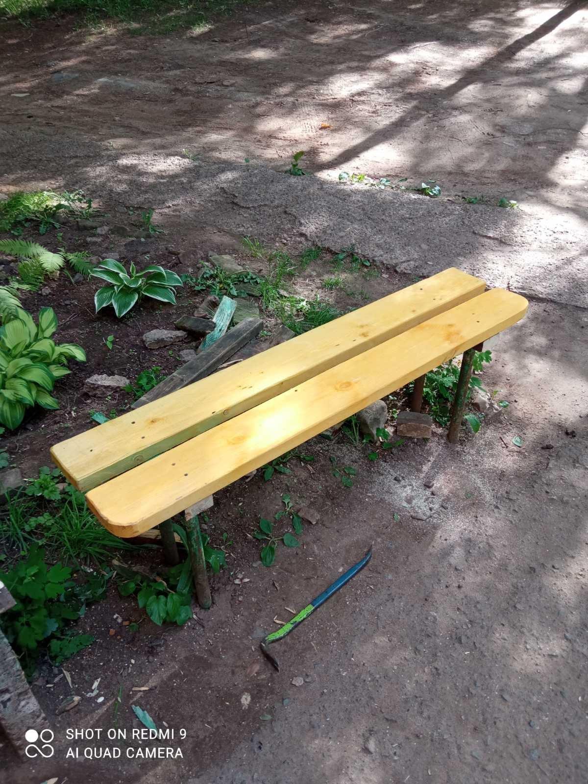 Отремонтирована скамейка на Физкультурников 7