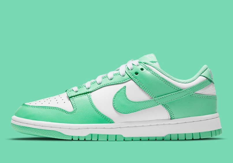 "Nike Dunk Low WMNS ""Green Glow"""