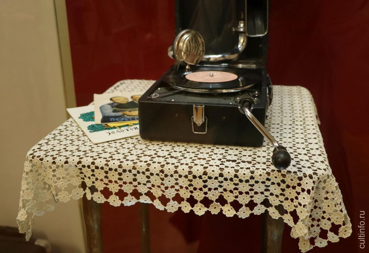 «Всё связано». Об ажурном вязании крючком рассказывает новая выставка в Музее кружева