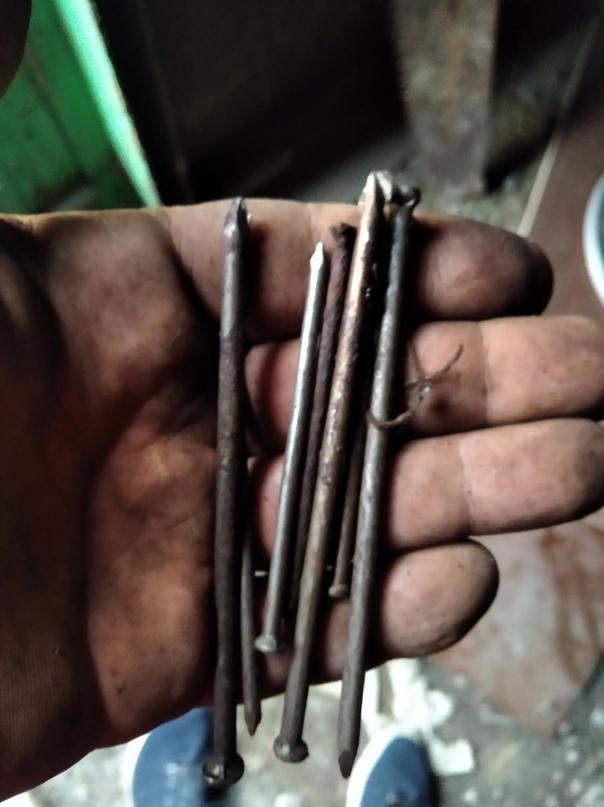 Купить гвозди как на фото пол ящика | Объявления Орска и Новотроицка №29001