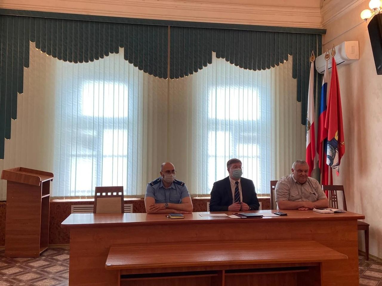 В Петровском районе продолжается работа по погашению задолженности за природный газ