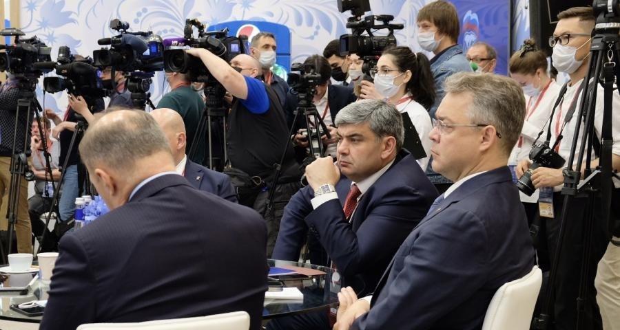 По результатам ПМЭФ Петербург получил контрактов всего на 600 млрд рублей