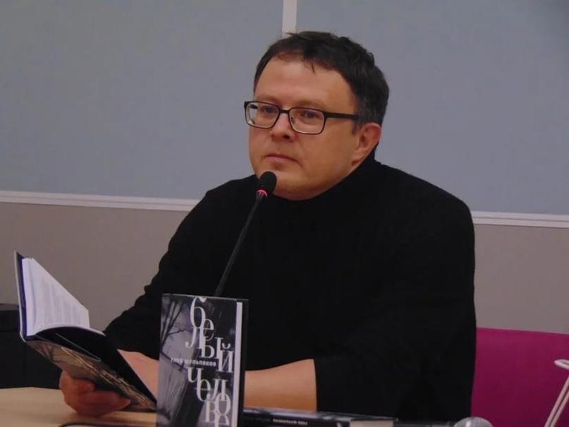 «В каждом поэте есть два человека»: Глеб Шульпяков на фестивале «Книжная Сибирь», изображение №1