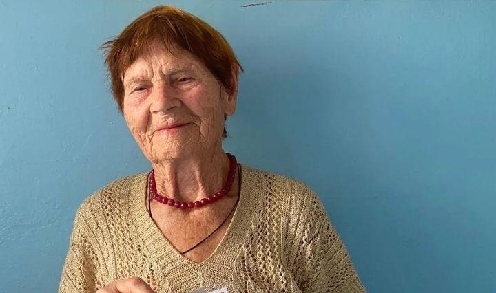 Вчера поздравления с солидным юбилеем принимала петровчанка Александра Михайловна ВОЛКОВА - 27 августа ей исполнилось 90 лет