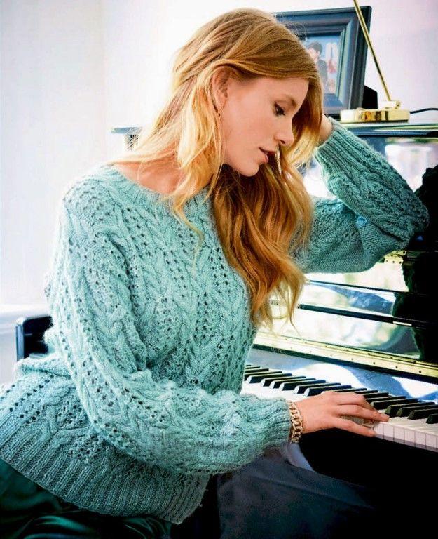 Пуловер с ажурным узором и «Косами» цвета шалфея