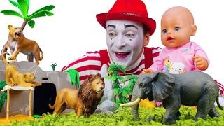 Новые видео - Кукла БЕБИ БОН в Зоопарке! Кормим животных с Baby Born! - Весёлые игры для детей.