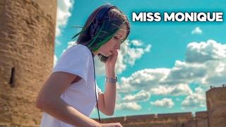Miss Monique - Live  Radio Intense, Ballantine's True Music [Progressive House / Melodic Techno]