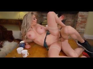 Сынок поебывает мамку  с огромными сиськами во все дырочки Amber Jayne секс порно минет анал инцест оргия sexwife bbc выебал